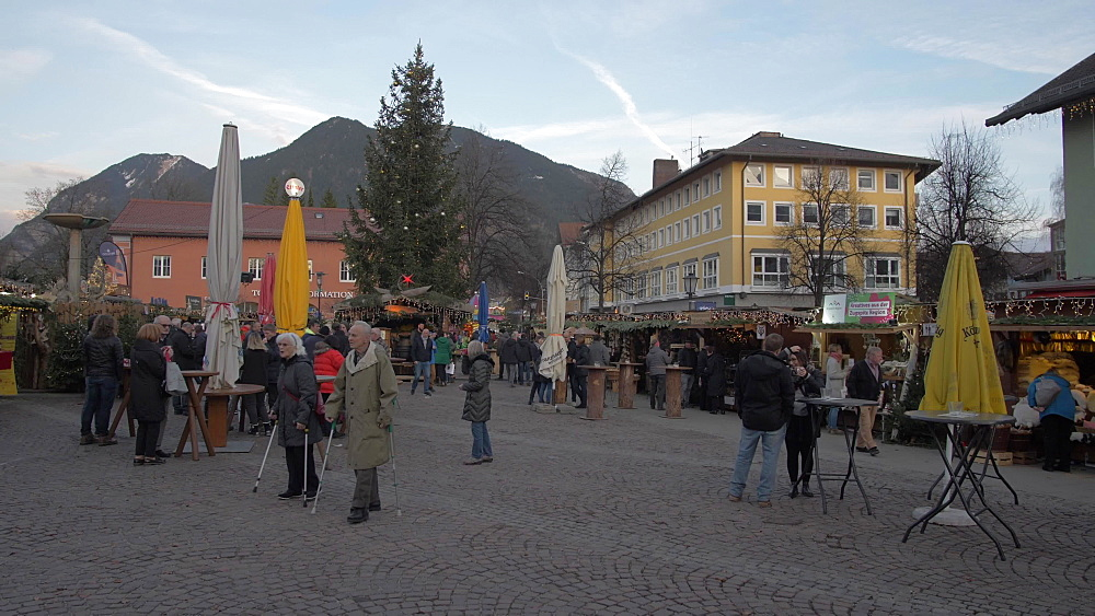 Shoppers and Christmas market, Garmisch-Partenkirchen, Bavaria, Germany, Europe