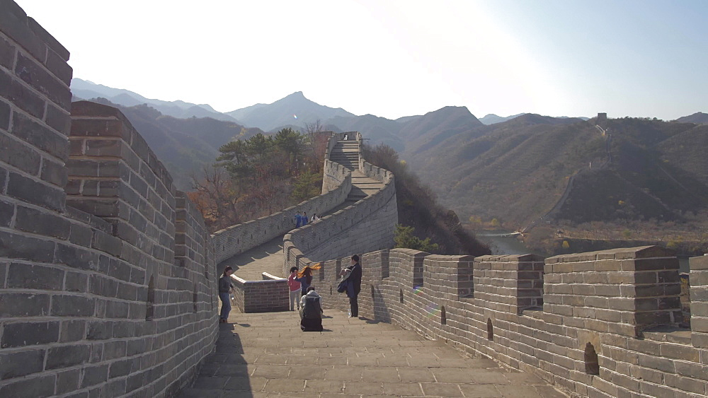 People and Great Wall of China at Huanghua Cheng (Yellow Flower), UNESCO World Heritage Site, Xishulyu, Jiuduhe Zhen, Huairou, People's Republic of China, Asia