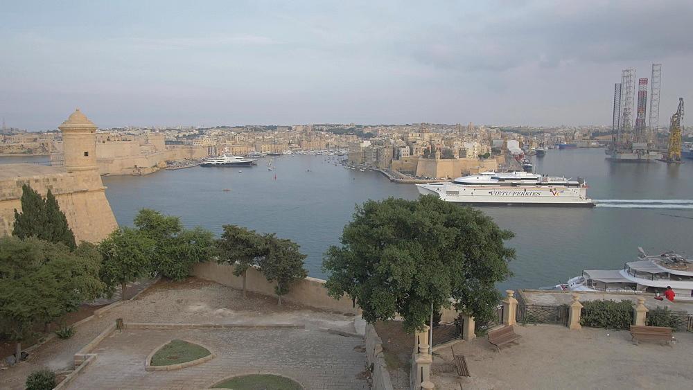 Ferry entering the Grand Harbour, Valletta, Malta, Mediterranean, Europe