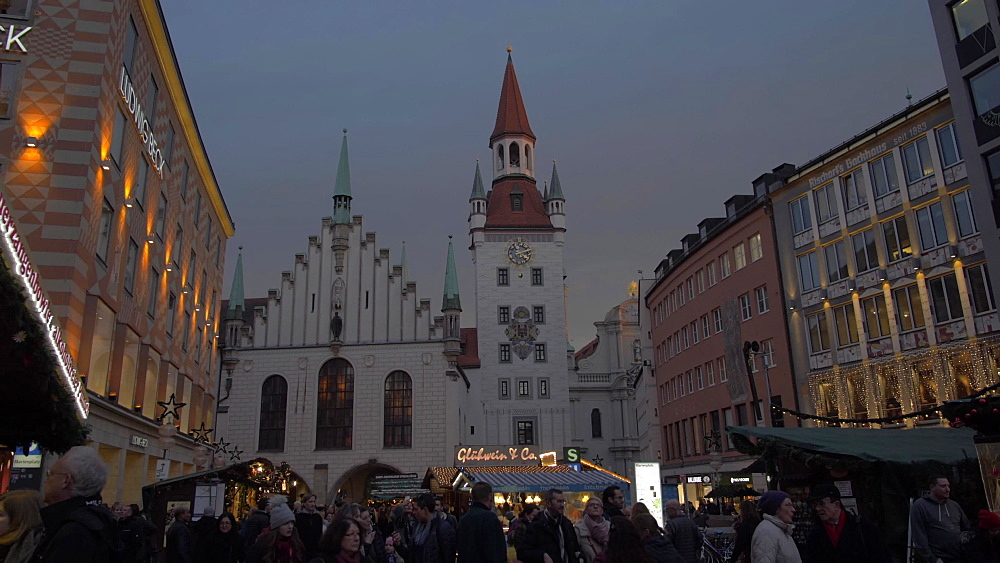 Christmas Market and Old Town Hall in Marienplatz at dusk, Munich, Bavaria, Germany, Europe