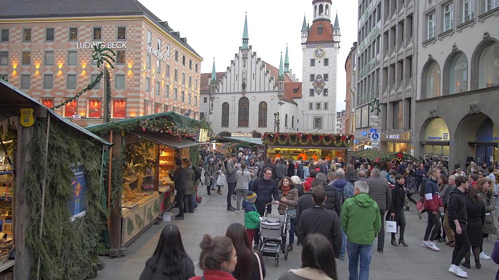Busy Christmas Market, Marienplatz, Munich, Bavaria, Germany, Europe