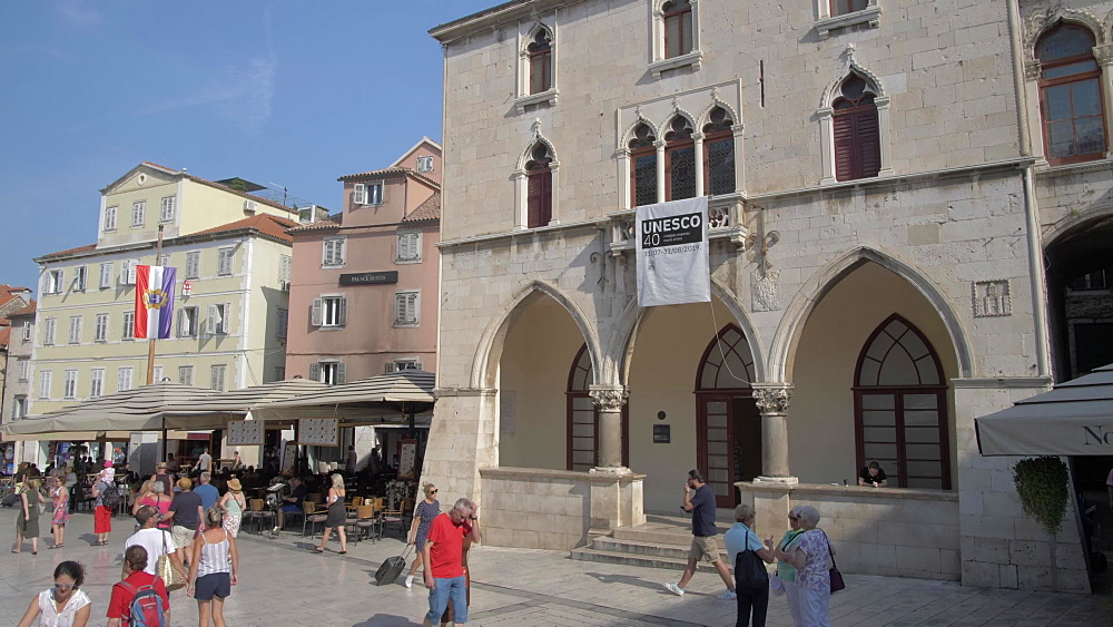 Bars and cafes in People's Square (Pjaca), Split, Dalmatian Coast, Croatia, Europe