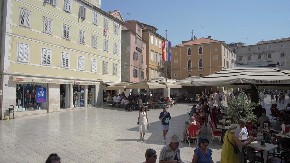 Town Hall and cafes in People's Square (Pjaca), Split, Dalmatian Coast, Croatia, Europe