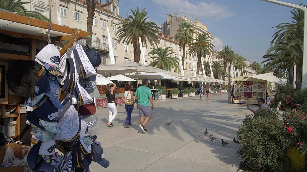 Cafes and restaurants on the Promenade, Split, Dalmatian Coast, Croatia, Europe