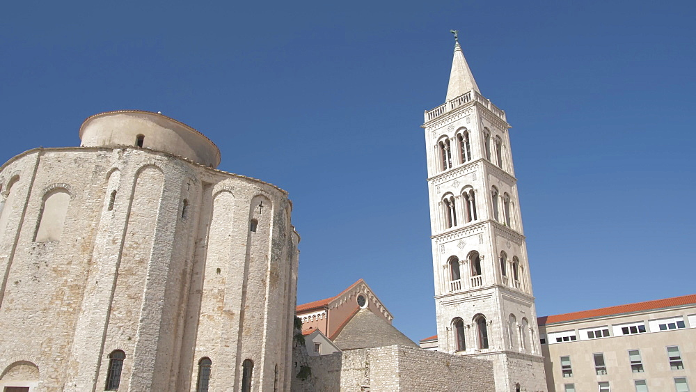 Cathedral of St. Anastasia and visitors, Zadar, Zadar County, Dalmatia region, Croatia, Europe