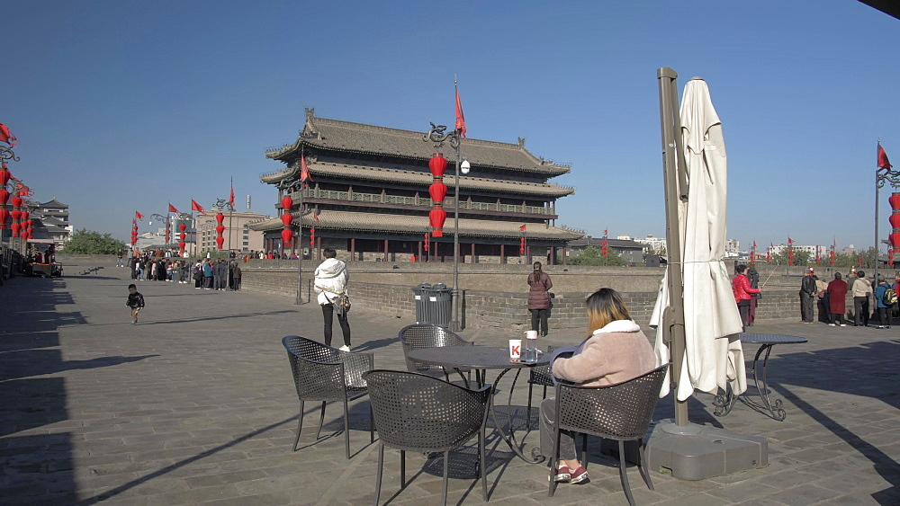 Cafe and traditional Chinese architecture of the City Wall, Xi'an, Shaanxi, People's Republic of China, Asia