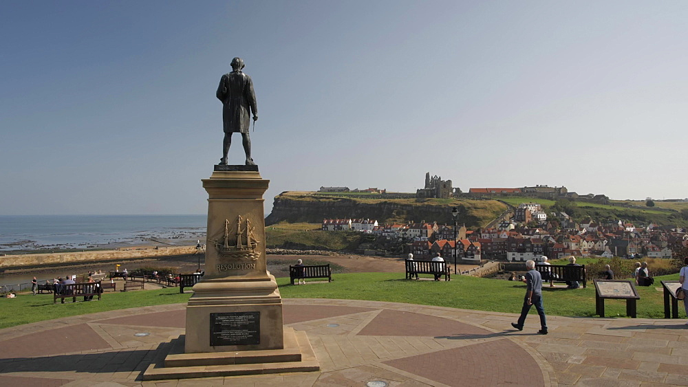 Captain Cook Memorial at West Cliff, Whitby Abbey in background, Whitby, North Yorkshire, England, United Kingdom, Europe