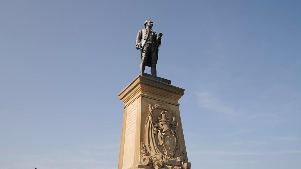 Captain Cook Memorial at West Cliff, Whitby, North Yorkshire, England, United Kingdom, Europe