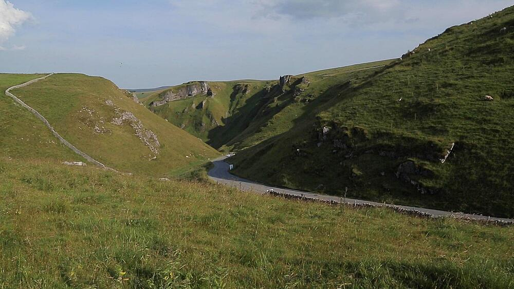 Winnats Pass near Castleton, Hope Valley, Derbyshire, England, UK, Europe