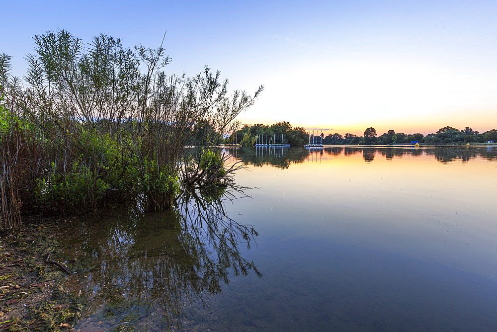 Sunset at Bray Lake, Berkshire, England, United Kingdom, Europe - 10-409