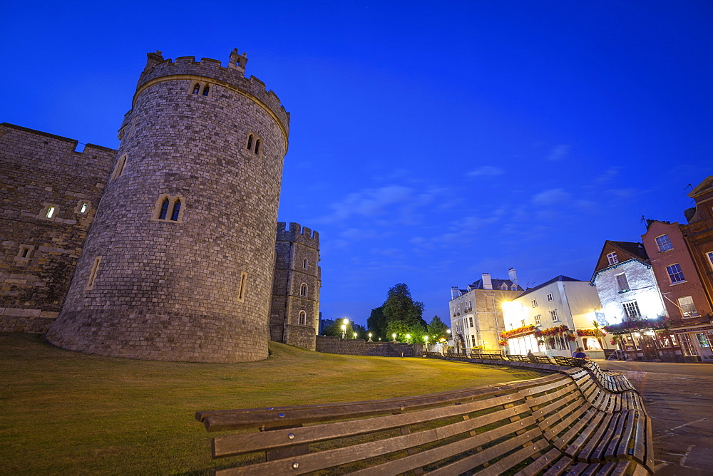Windosr Castle at dusk, Windsor, Berkshire, England, United Kingdom, Europe - 10-410