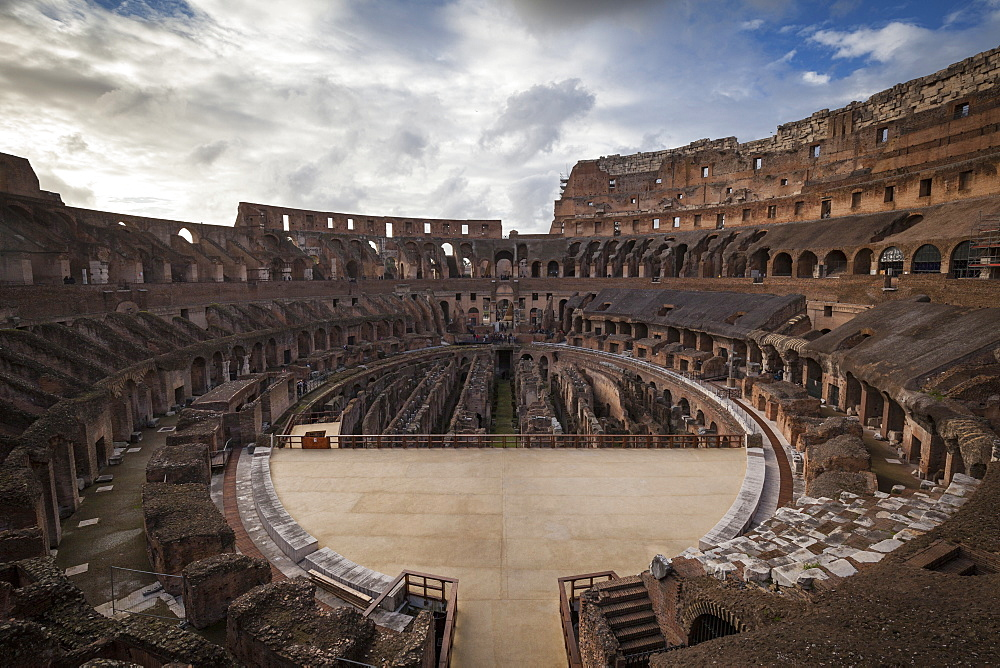 Colosseum, UNESCO World Heritage Site, Rome, Lazio, Italy, Europe - 10-453
