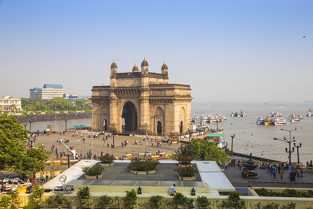 View of Gateway of India, Mumbai, Maharashtra, India, Asia - 1104-1007