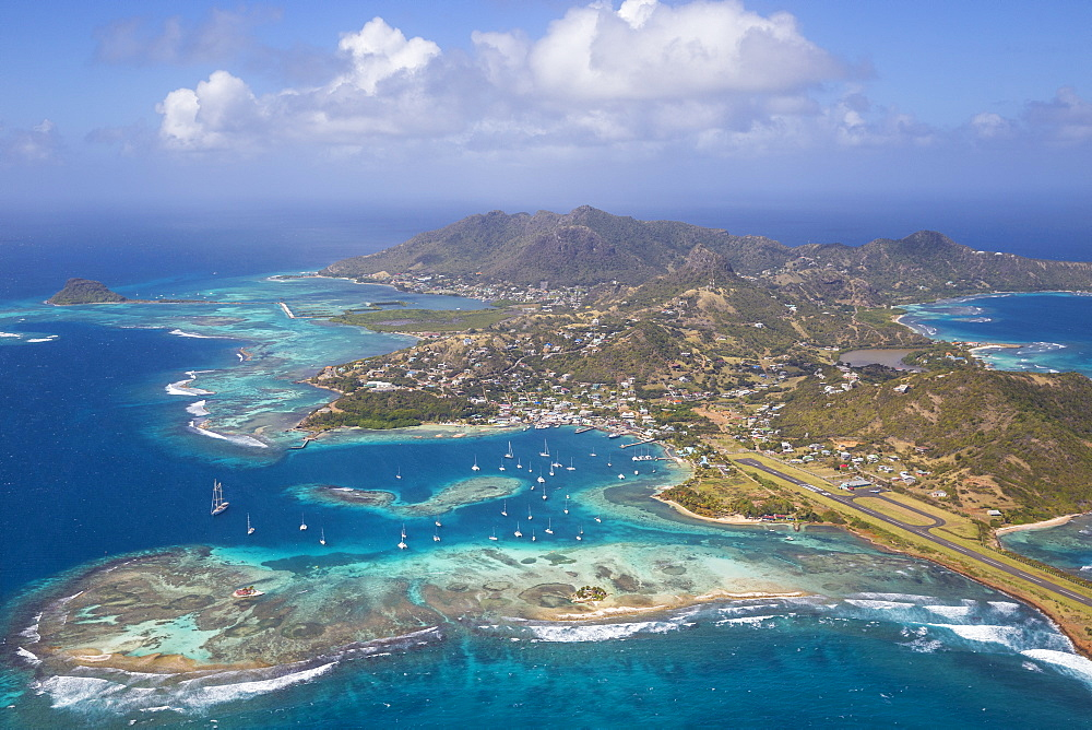 Aerial view of Union Island, The Grenadines, St. Vincent and The Grenadines, West Indies, Caribbean, Central America