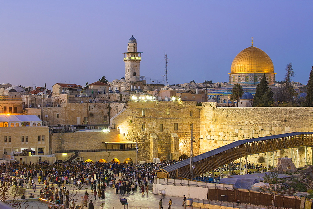 Western Wall and the Dome of the Rock, Old City, UNESCO World Heritage Site, Jerusalem, Israel, Middle East - 1104-1308