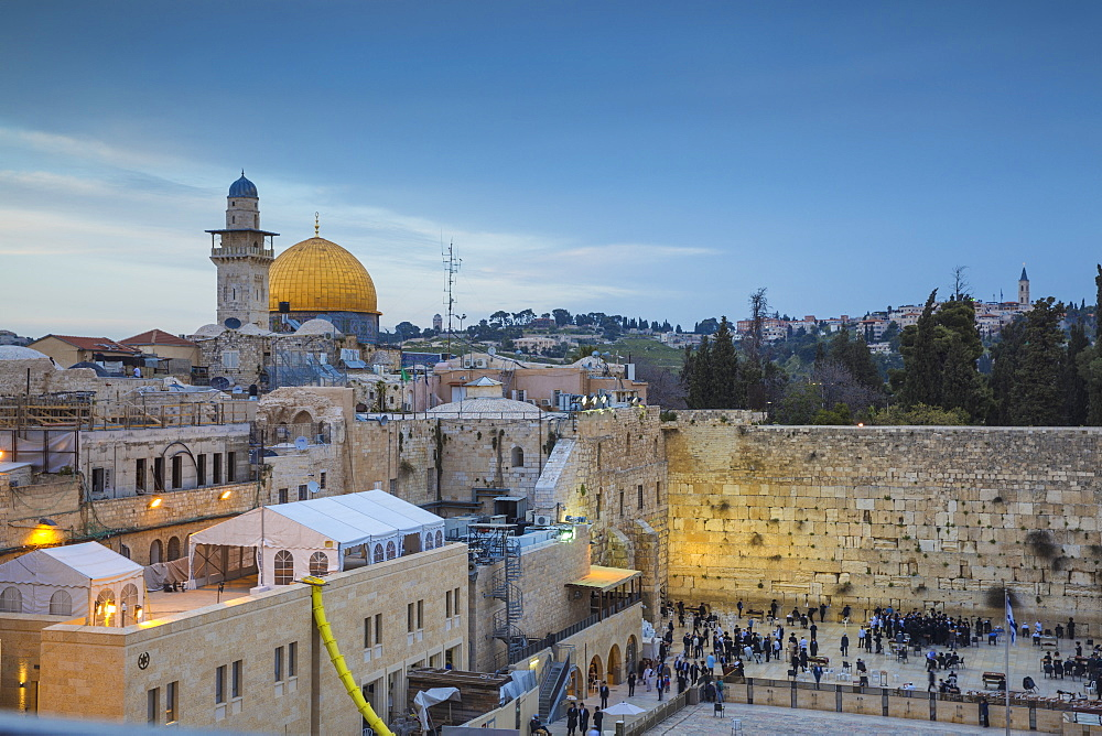 Western Wall and the Dome of the Rock, Old City, UNESCO World Heritage Site, Jerusalem, Israel, Middle East - 1104-1309