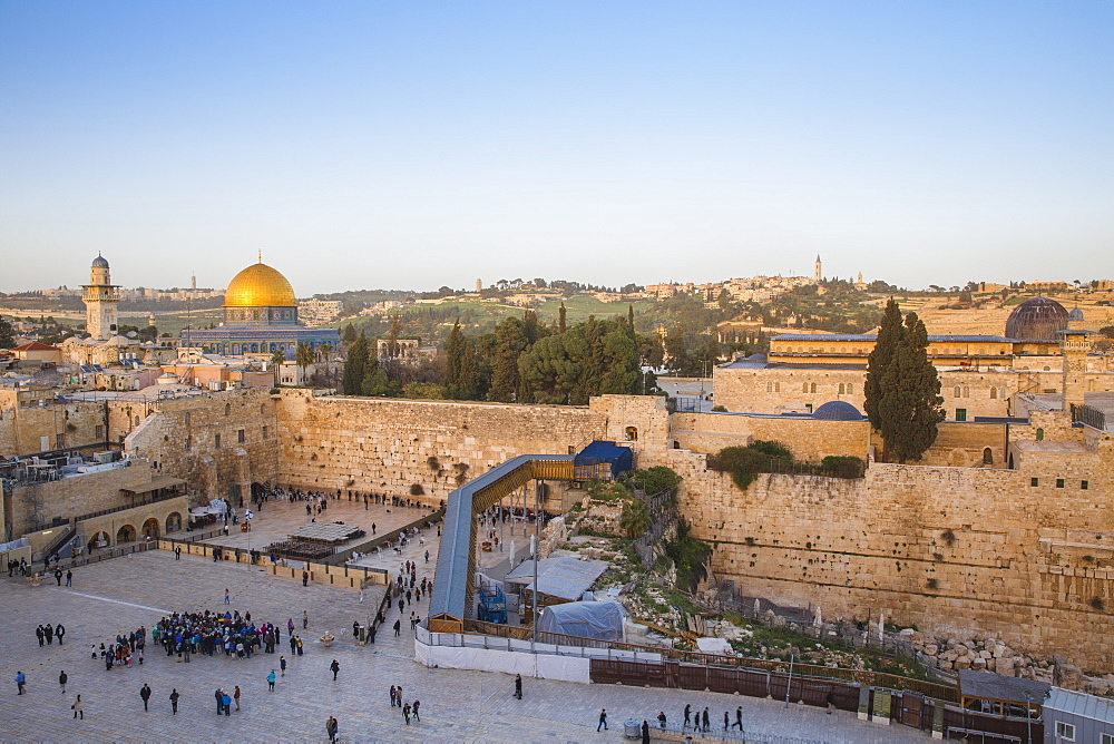 Western Wall and the Dome of the Rock, UNESCO World Heritage Site, Jerusalem, Israel, Middle East - 1104-1324