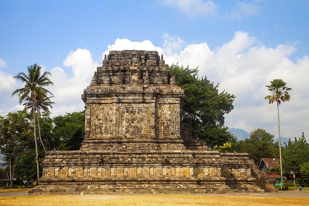 Candi Mendut, Borobudur, Magelang, Java, Indonesia, Southeast Asia, Asia