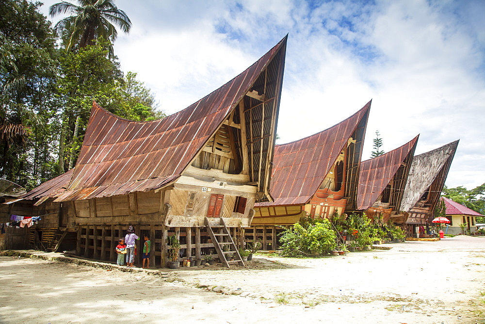 Traditional Batak wooden houses, Tomok, Lake Toba, Samosir Island, Sumatra, Indonesia, Southeast Asia, Asia