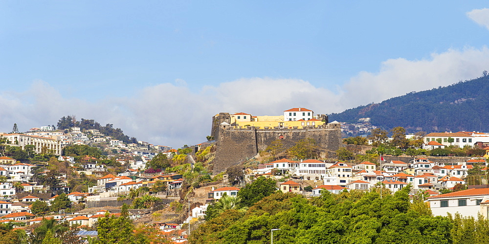 Portugal, Madeira, Funchal, View towards Sao Joao Fort