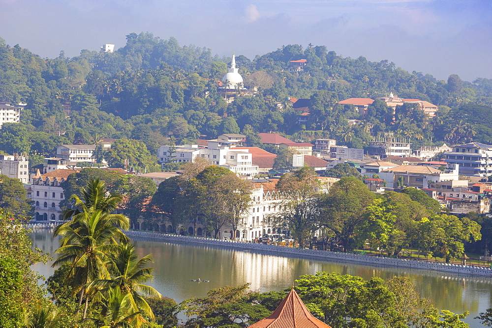 View of Kandy Lake, Kandy, UNESCO World Heritage Site, Central Province, Sri Lanka, Asia