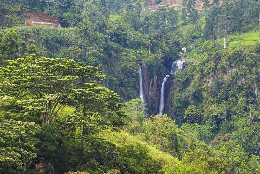 Ramboda Falls, Ramboda, Nuwara Eliya, Central Province, Sri Lanka, Asia