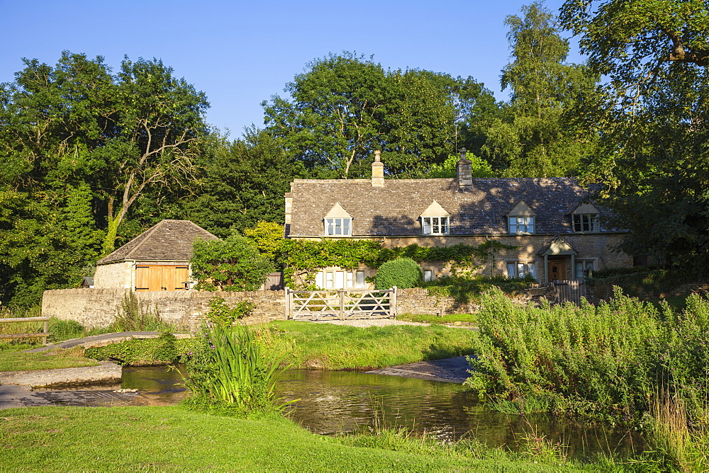 Upper Slaughter village, The Cotswolds, Gloucestershire, England, United Kingdom, Europe - 1104-1855