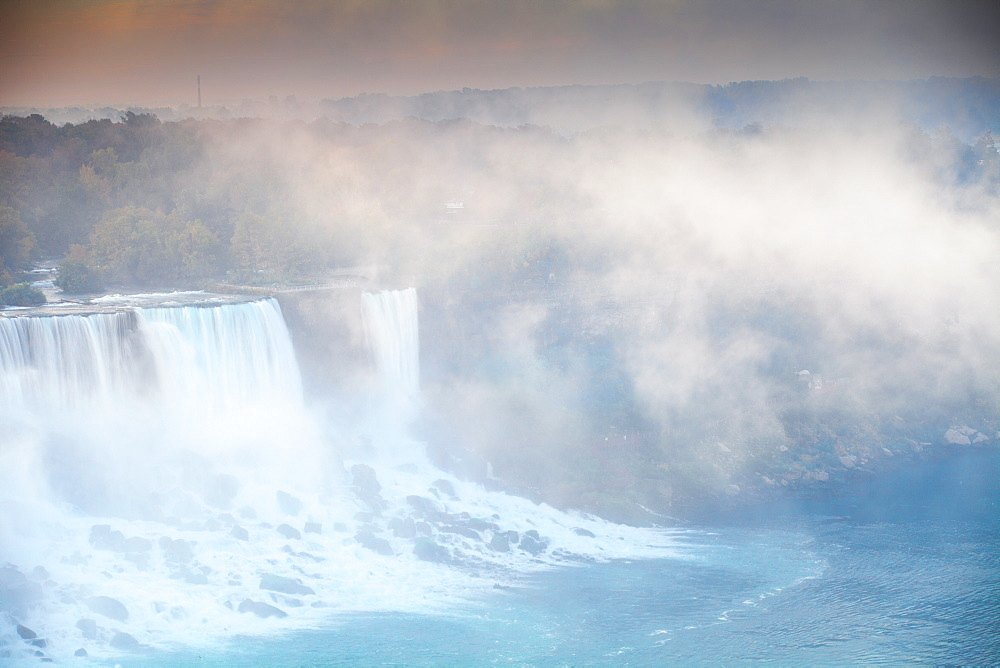View of The American and Bridal Veil Falls at dawn, Niagara Falls, Niagara, border of New York State, United States of America, and Ontario, Canada, North America