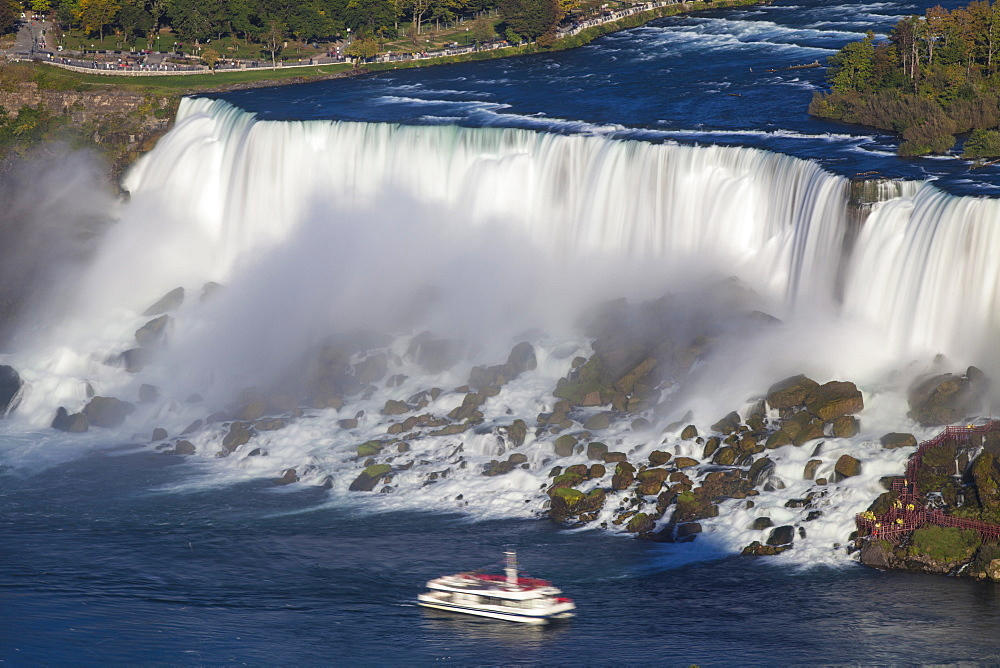 View of The American and Bridal Veil Falls, Niagara Falls, Niagara, border of New York State, United States of America, and Ontario, Canada, North America