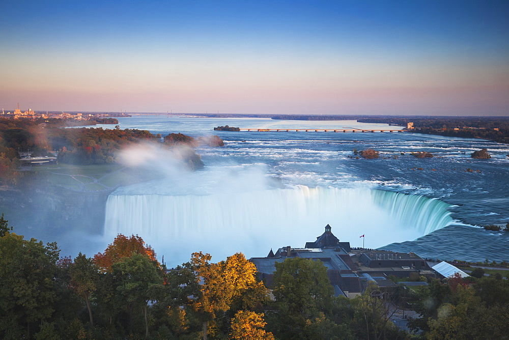 View of Table Rock visitor center and Horseshoe Falls, Niagara Falls, Niagara, border of New York State, and Ontario, Canada, North America