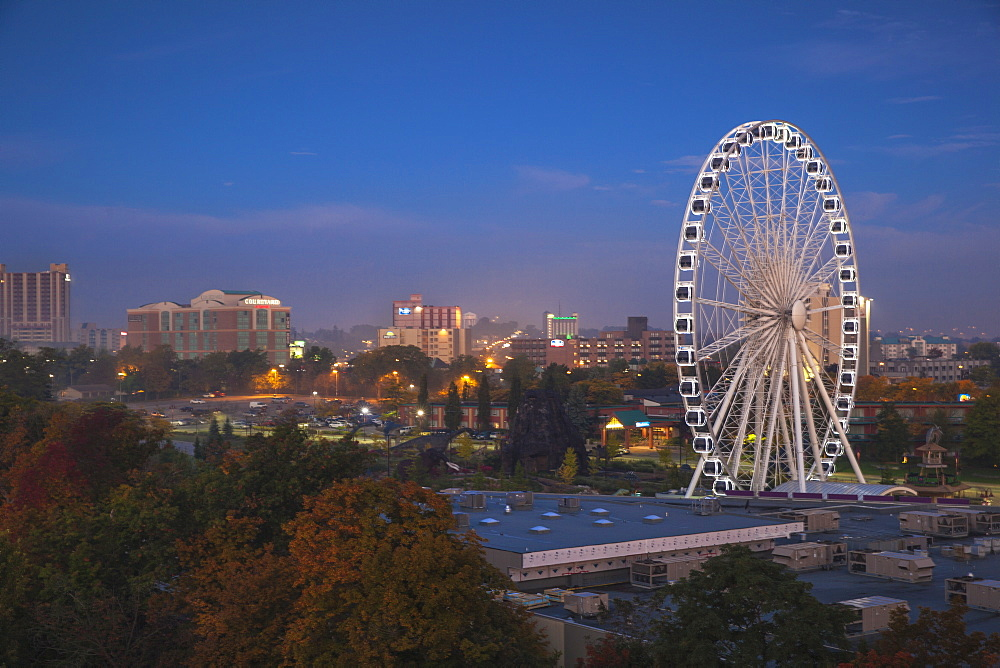 View of Ferris wheel at dawn, Niagara Falls, Niagara, border of New York State, United States of America, and Ontario, Canada, North America