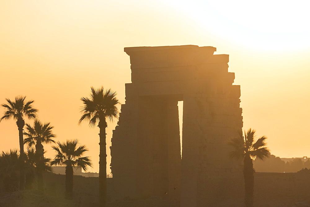 Egypt, Luxor, Karnak Temple, - 1104-823