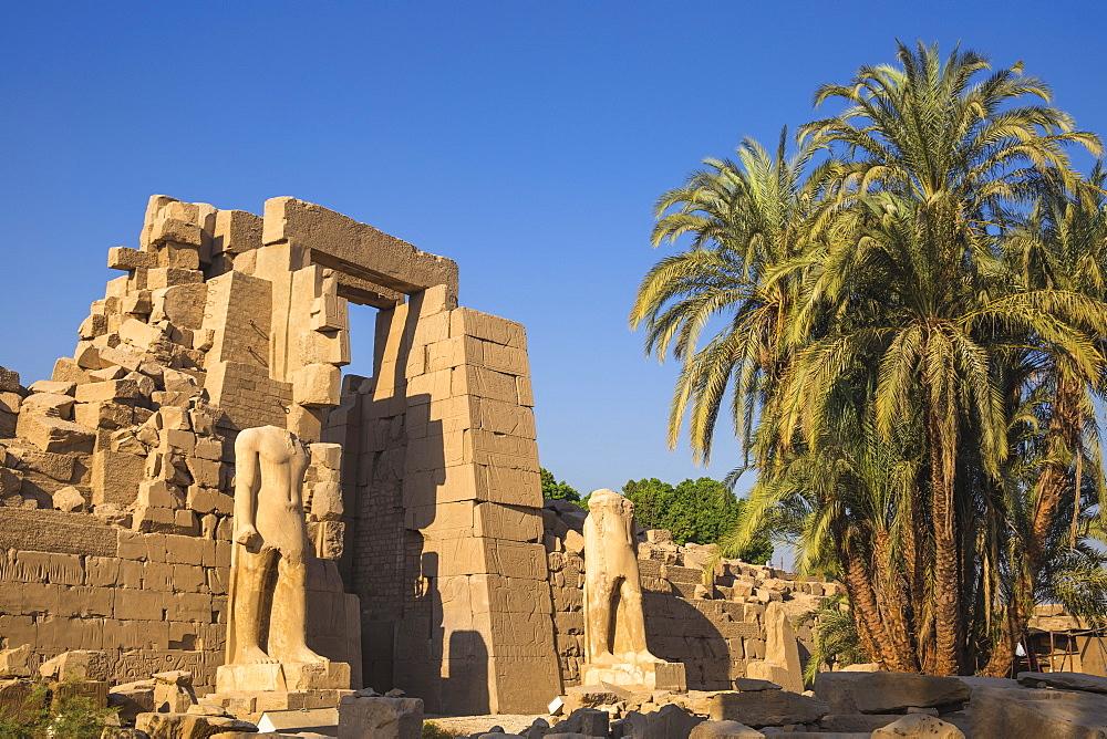Egypt, Luxor, Karnak Temple - 1104-832