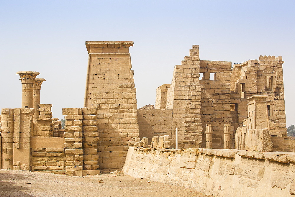 The temple of Ramesses III at Medinet Habu, West Bank, UNESCO World Heritage Site, Luxor, Egypt, North Africa, Africa