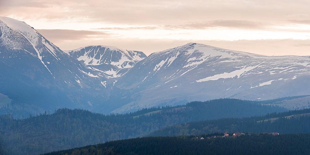 Carpathian Mountains at Ranca at sunrise, Parang Mountains, Oltenia Region, Romania, Europe