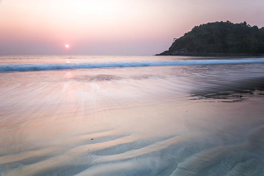 Paradise Beach at sunset (Sar Sar Aw Beach), Dawei Peninsula, Tanintharyi Region, Myanmar (Burma), Asia