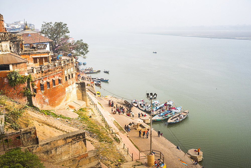 Banks of River Ganges in Varanasi, Uttar Pradesh, India, Asia - 1109-3153