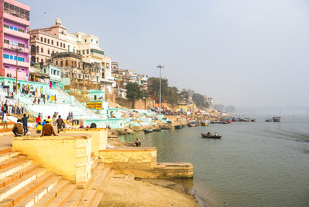 Ghats on the River Ganges banks, Varanasi, Uttar Pradesh, India, Asia