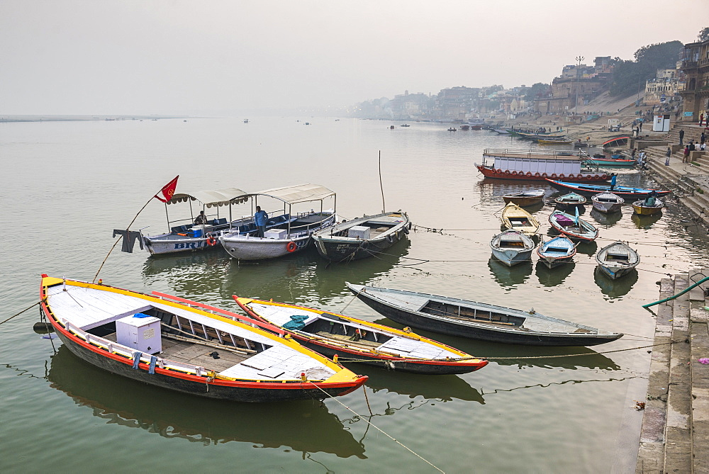 Boats in the mist at dawn on the River Ganges, Varanasi, Uttar Pradesh, India, Asia - 1109-3171
