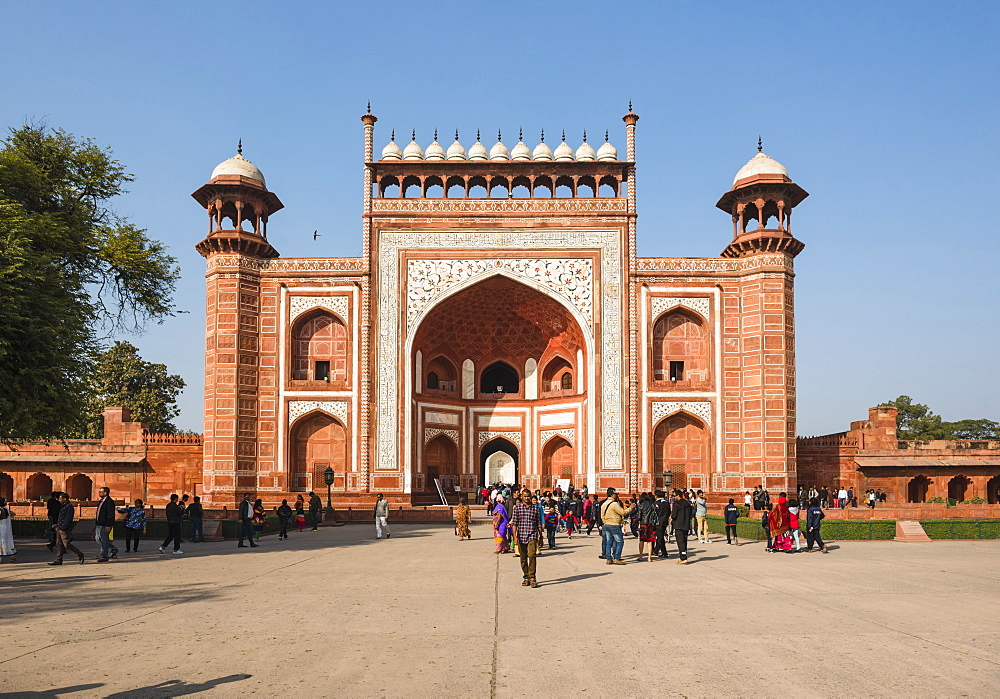 Great Gate (Darwaza-i rauza), the main entrance to the Taj Mahal, UNESCO World Heritage Site, Agra, Uttar Pradesh, India, Asia - 1109-3177