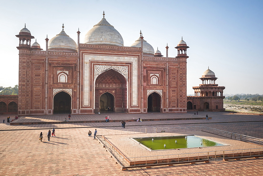 Mosque in the Taj Mahal Complex, UNESCO World Heritage Site, Agra, Uttar Pradesh, India, Asia
