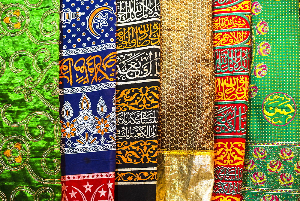 Colourful pashmina scarves, New Delhi, India, Asia