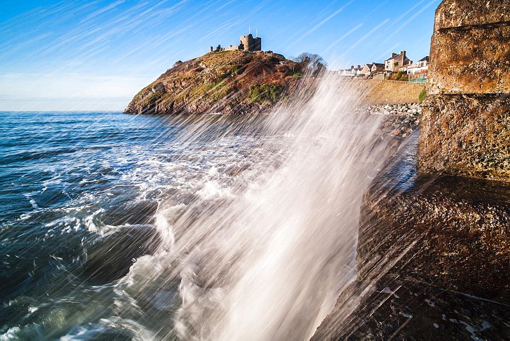 Criccieth Castle, above Criccieth Beach, Gwynedd, North Wales, Wales, United Kingdom, Europe