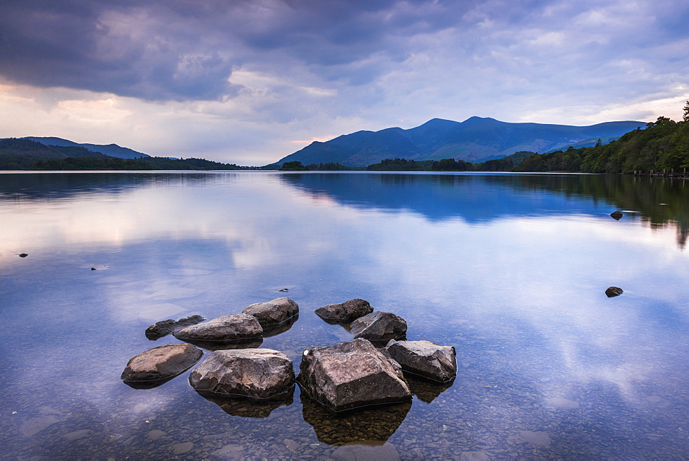 Derwent Water (Derwentwater) at sunset, Lake District National Park, UNESCO World Heritage Site, Cumbria, England, United Kingdom, Europe