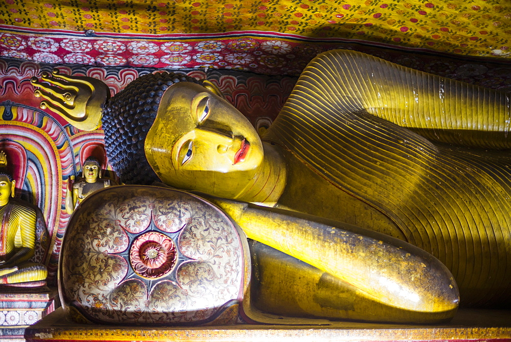 Reclining Buddha in Cave 3 (Great New Monastery), Dambulla Cave Temples, UNESCO World Heritage Site, Dambulla, Central Province, Sri Lanka, Asia