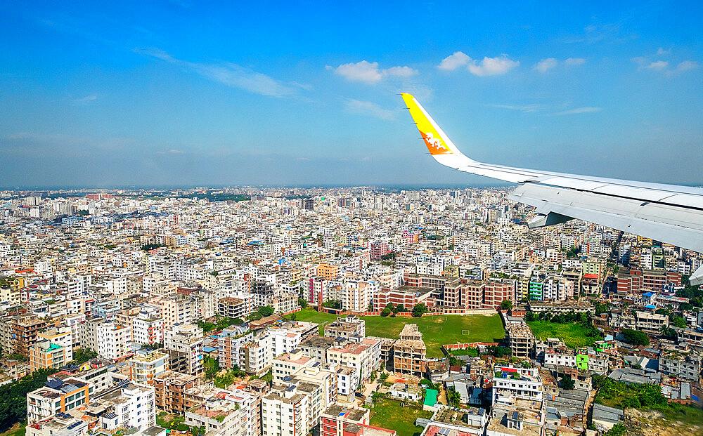 Drukair flying into Dhaka, Bangladesh. - 1111-172