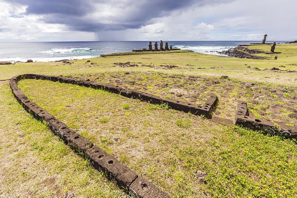 House foundation and sevem moai in the Tahai Archaeological Zone on Easter Island (Isla de Pascua) (Rapa Nui), UNESCO World Heritage Site, Chile, South America