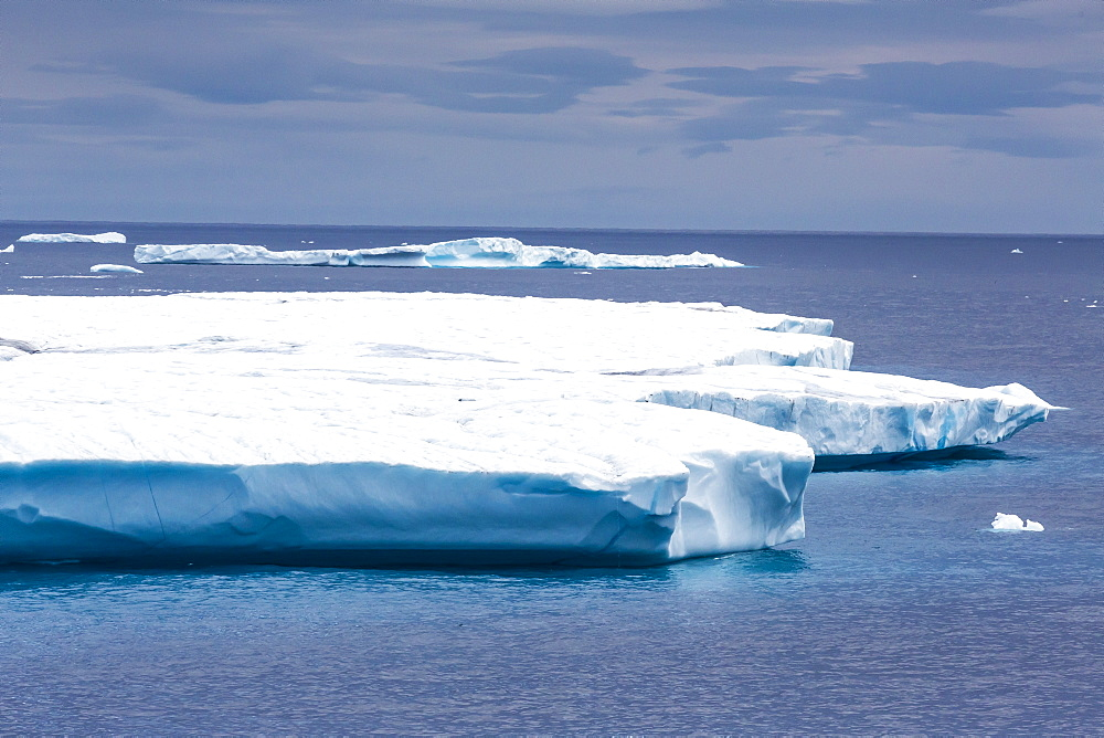 Huge tabular iceberg in Isabella Bay, Baffin Island, Nunavut, Canada, North America