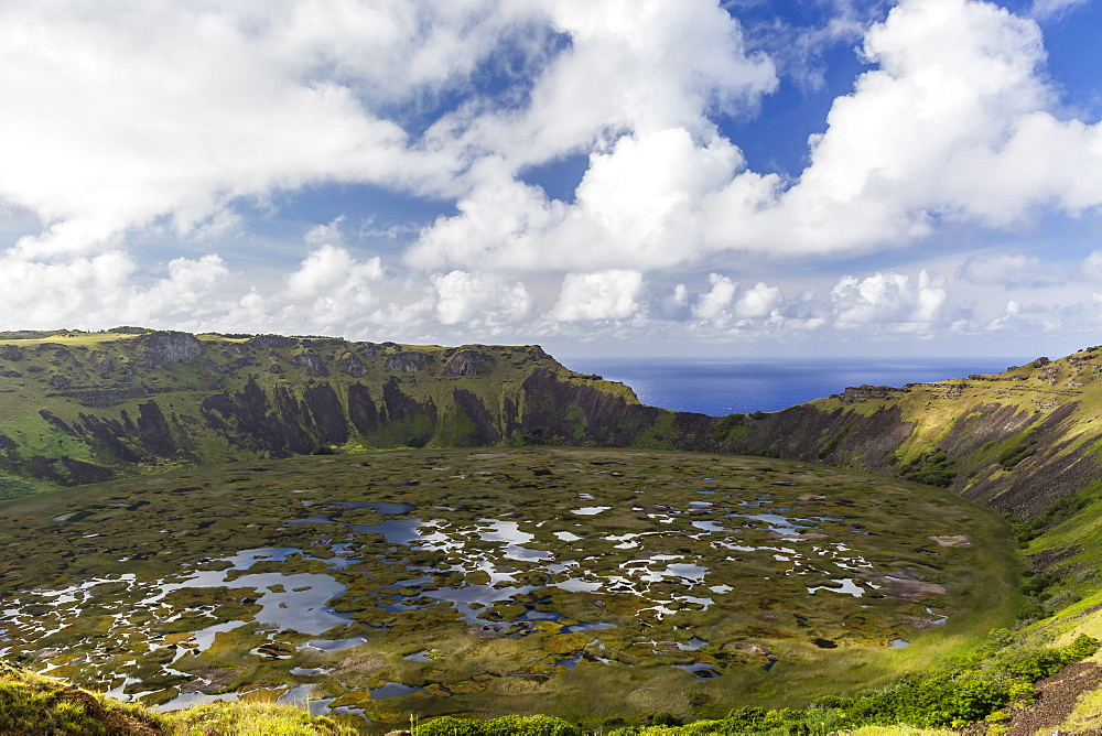Orongo Crater, Rano Kau, Rapa Nui National Park, UNESCO World Heritage Site, Easter Island (Isla de Pascua), Chile, South America