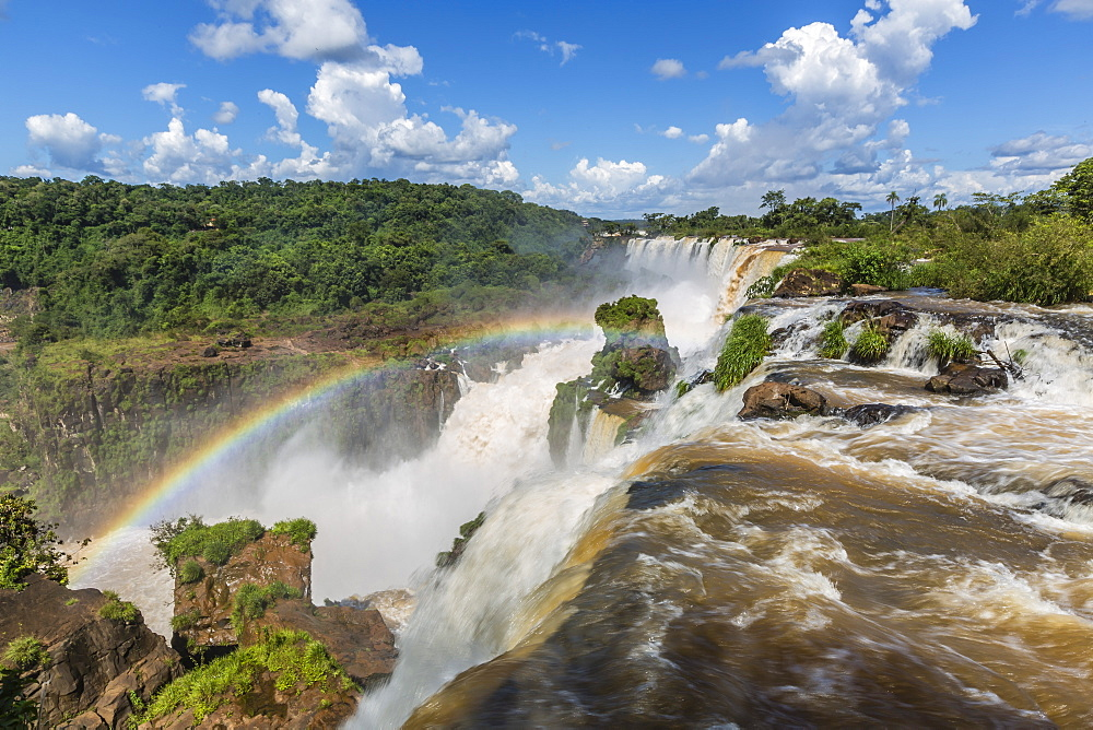 A view from the upper trail, Iguazu Falls National Park, UNESCO World Heritage Site, Misiones, Argentina, South America - 1112-3071